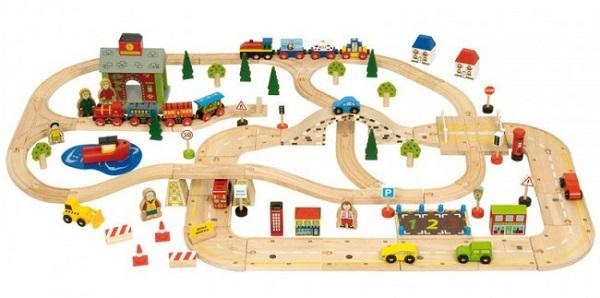 Leseni vlakci za sproščujočo otroško igro