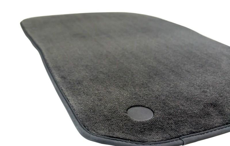 Tekstilne preproge za avto priznanega proizvajalca