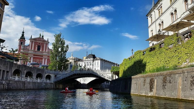 Slovenija in ekonomske razmere v njej