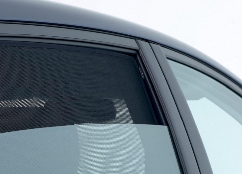 Avtomobilsko temnenje stekel s senčniki
